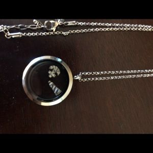 Origami Owl Jewelry - Don't use it.